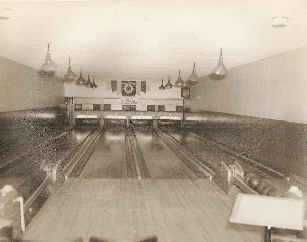 BowlingalleysinNahmaClubhouse_36