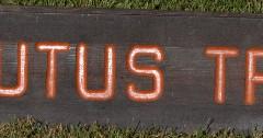 ArbutusTrailsignageusedbyBaydeNocquetCompany_39