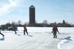 pondhockeywithburner_22
